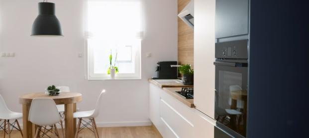 Jak zagospodarować przestrzeń w małej kuchni?